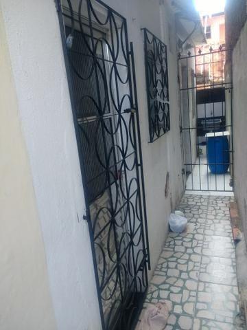 Venda ou Aluga-se Kitnet em Pernambués - Foto 4