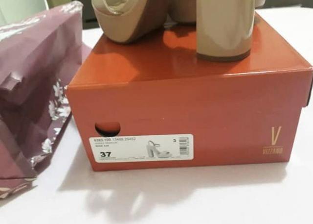 Vendo sandália alta Vizzano - Foto 2