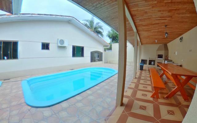 Casa completa 4 suítes WIFI piscina churrasqueira - Foto 2