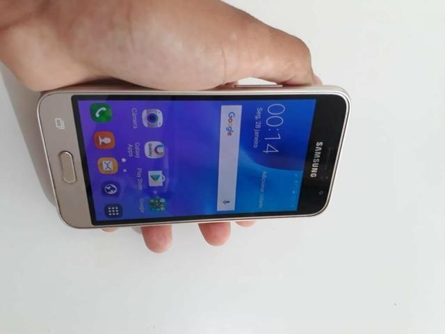 Samsung Galaxy j1 semi novo por: 300
