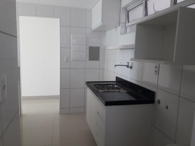 Apto com 1 quarto - todo projetado - Ponta do Farol - Foto 4