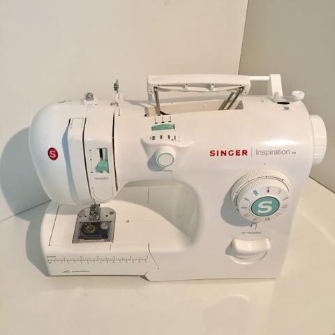 Máquina de Costura Mecânica Singer Inspiration 4218 - Branca - 110V