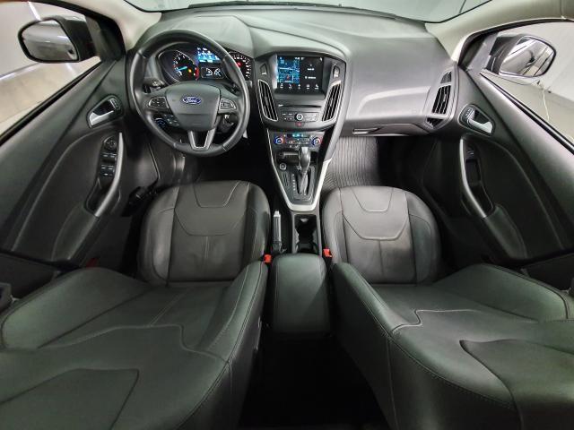 Ford Focus Fastback SE/SE PLUS 2.0 Flex Aut. - Cinza - 2017 - Foto 6