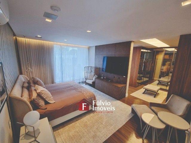 EXCLUSIVIDADE! Casa Luxuosa, Dentro de Condomínio de Alto Nível, 4 Suítes, Lazer Completo  - Foto 17