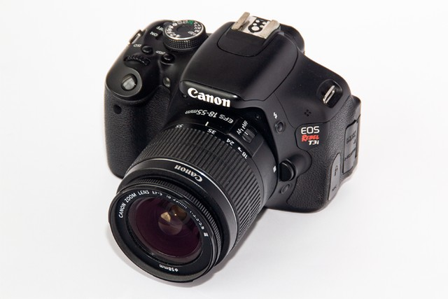 Canon Eos Rebel T3i 18-55mm Is Ii Kit Dslr Com 6700 Cliques