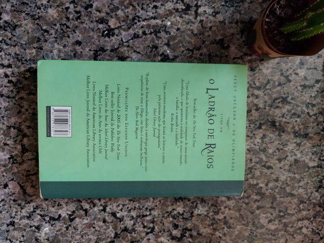 Percy Jackson e o ladrão de raios - livro usado - Foto 2