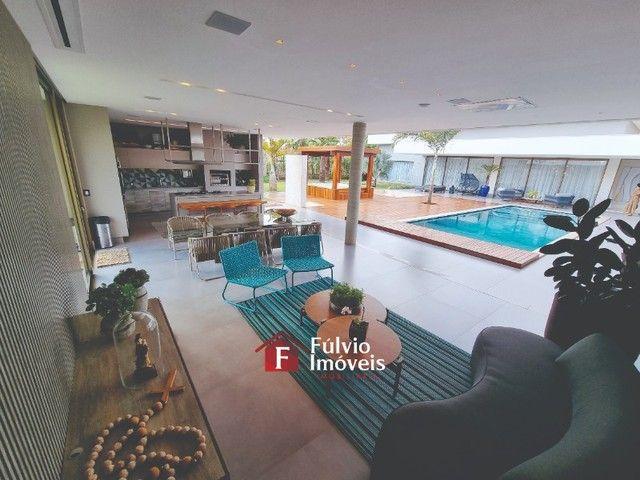 EXCLUSIVIDADE! Casa Luxuosa, Dentro de Condomínio de Alto Nível, 4 Suítes, Lazer Completo  - Foto 16