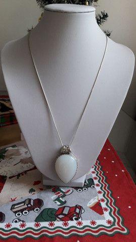Colar em prata com pedra Branca linda e original  - Foto 6