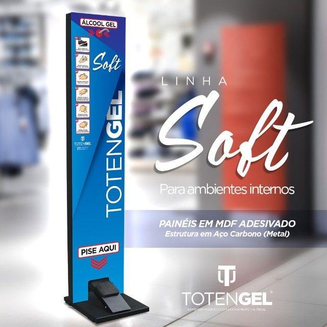 Totem Gel Pedal - Display Para Alcool Gel Higienizador Mãos - Linha Soft - Foto 3