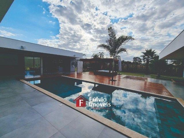 EXCLUSIVIDADE! Casa Luxuosa, Dentro de Condomínio de Alto Nível, 4 Suítes, Lazer Completo
