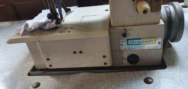 Máquina de costura Galoneira Industrial Bracob BC 4000-5 completa 3 Agulhas - Usada - Foto 3