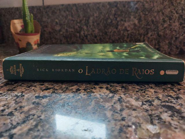 Percy Jackson e o ladrão de raios - livro usado - Foto 3