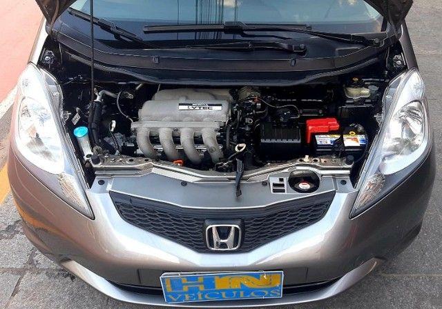 Honda fit LX câmbio manual motor 1.4 flex 4p cinza 2010 77.900km ipva2021pgvist. - Foto 5