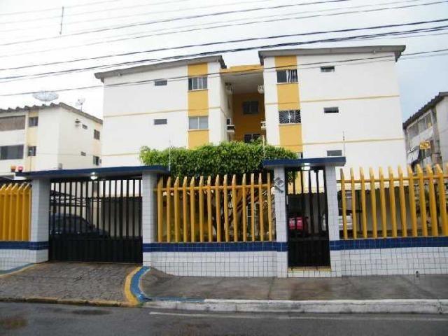 Oportunidade Vendo Apto 2/4 1º andar Cond Climerio Sarmento R$ 120 mil