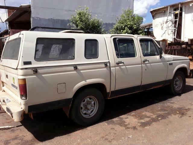 Camioneta D20 4 porta ano 89-90