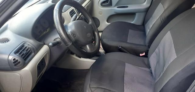Renault Clio sedan 1.0 16v - Foto 5