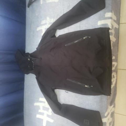 Jaqueta corta vento preta M - Foto 2