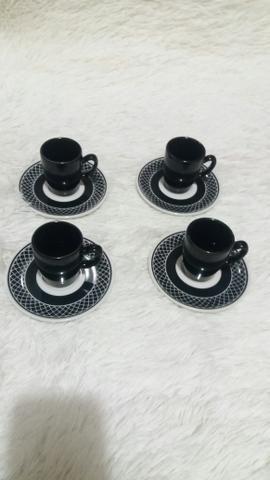 Jogo de 4 xícaras de café + pires. Novo - Foto 3