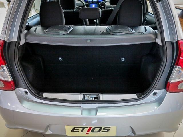 TOYOTA  ETIOS 1.5 X PLUS 16V FLEX 4P 2019 - Foto 13