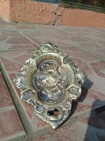 Galo e cinzeiro antigo de bronze  - Foto 6