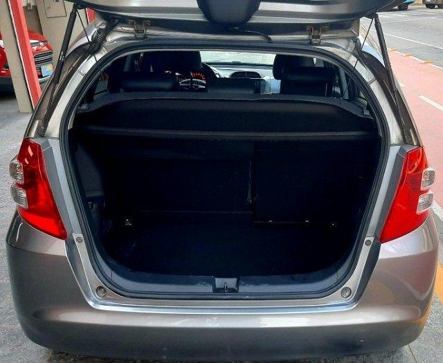 Honda fit LX câmbio manual motor 1.4 flex 4p cinza 2010 77.900km ipva2021pgvist. - Foto 6