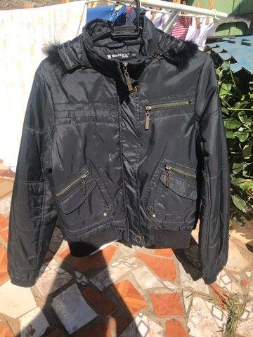 Jaqueta preta de pelinhos tamanho gg serve g
