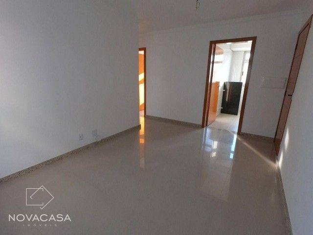 Apartamento com 3 dormitórios à venda, 56 m² por R$ 300.000,00 - Candelária - Belo Horizon - Foto 10