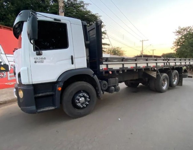 Vendo 17280 truck 6x2 ano 2015 - Foto 5