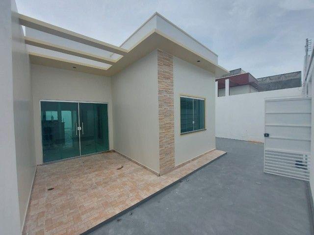 Casa nova 3 quartos com suíte, garagem lateral, 9x20