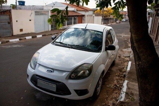 Ford Ka 2012 Branco com baixa km - Foto 3