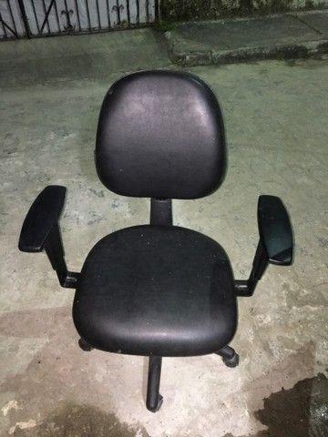 Cadeira Giratória Novíssima R$230