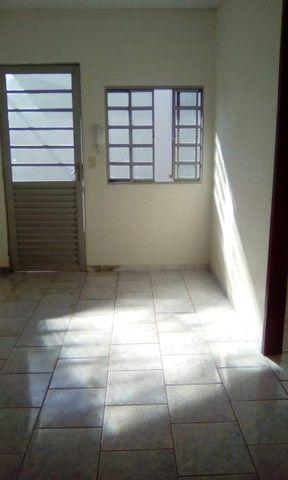 Aluga-se Casa em Condominio 1 quarto 1 banheiro R$ 900,00 - Foto 8