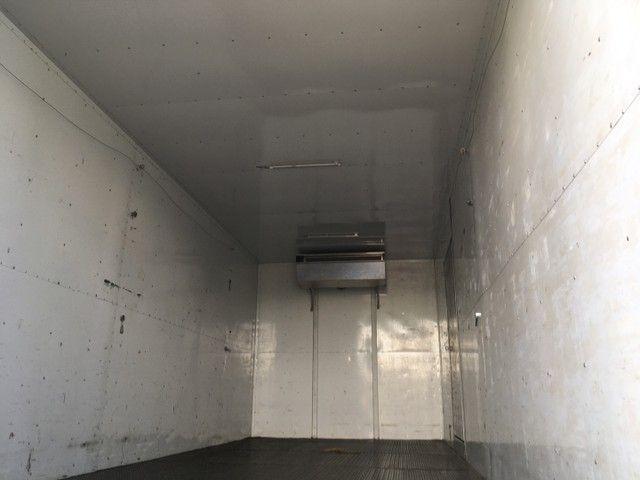 Caminhão VW 17.230 19/20 Baú Climatizado - Foto 10