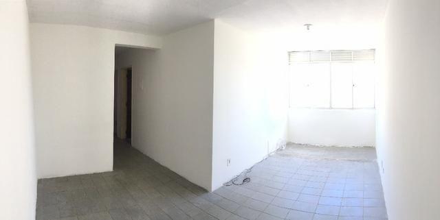 Apenas R$730!! Apartamento 3/4 - Nascente - 2WC - Cond Artemisia