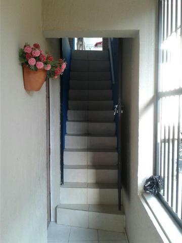 Vendo Ótima Casa 3/4 - 2o andar c/Cobertura - Foto 2
