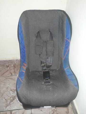Vendo uma cadeira infantil para carro - Foto 2