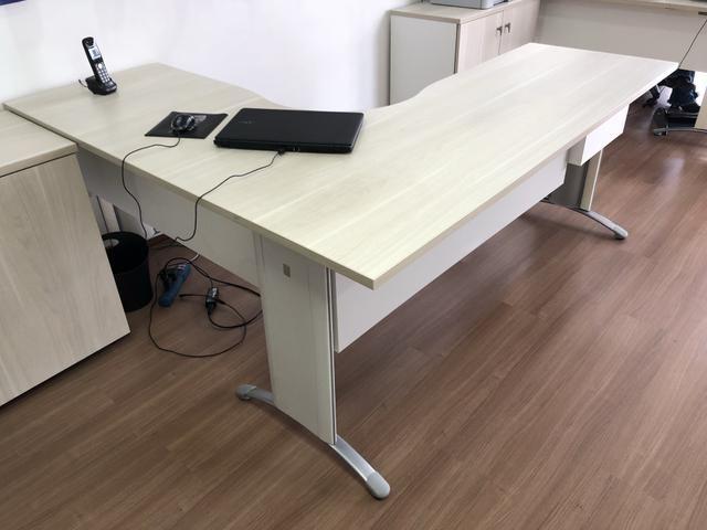 Mesa de Escritório Usada (tamanho médio) - ref.02 - Foto 2