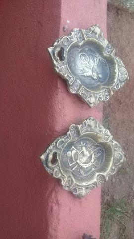 Galo e cinzeiro antigo de bronze  - Foto 3