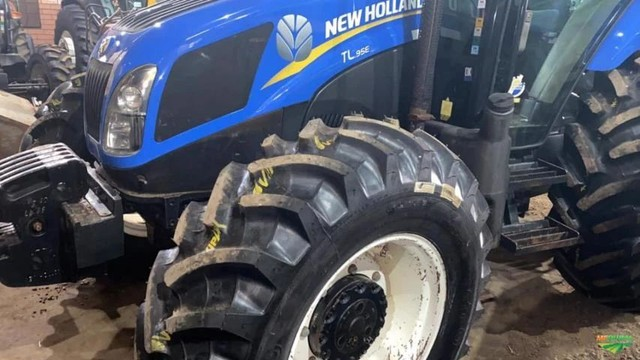 Trator New Holland TL95e - Foto 5
