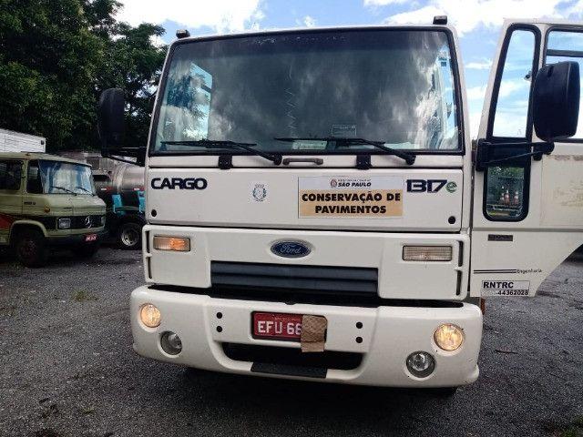 Cargo 1317 -Caçamba 90.000km