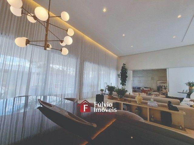 EXCLUSIVIDADE! Casa Luxuosa, Dentro de Condomínio de Alto Nível, 4 Suítes, Lazer Completo  - Foto 8