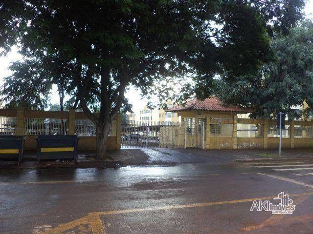 Apartamento com 3 dormitórios para alugar, 64 m² por R$ 900,00/mês - Zona 08 - Maringá/PR - Foto 14