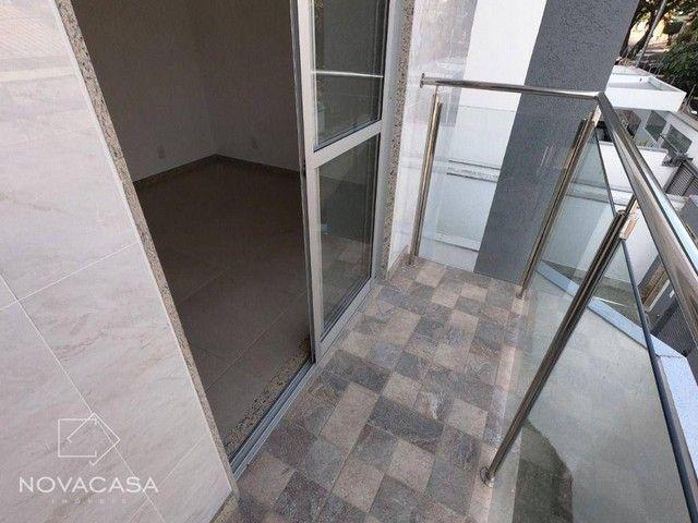 Apartamento com 3 dormitórios à venda, 56 m² por R$ 350.000,00 - Candelária - Belo Horizon