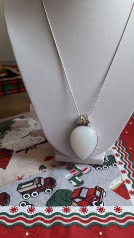 Colar em prata com pedra Branca linda e original  - Foto 4