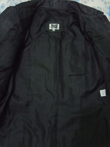 Jaqueta de couro legítimo. Tamanho P - Foto 4
