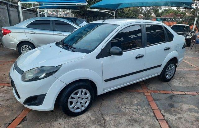 Fiesta sedan 1.6 10/11 - Foto 2