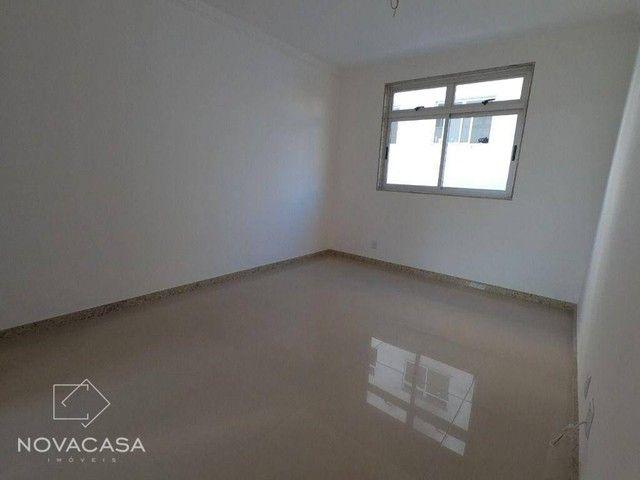 Apartamento com 3 dormitórios à venda, 56 m² por R$ 300.000,00 - Candelária - Belo Horizon - Foto 6