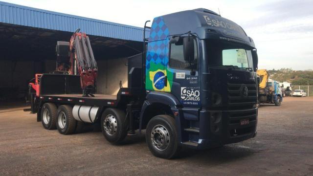 Caminhão Munck Traseiro 70 ton,Giro infinito - Foto 3
