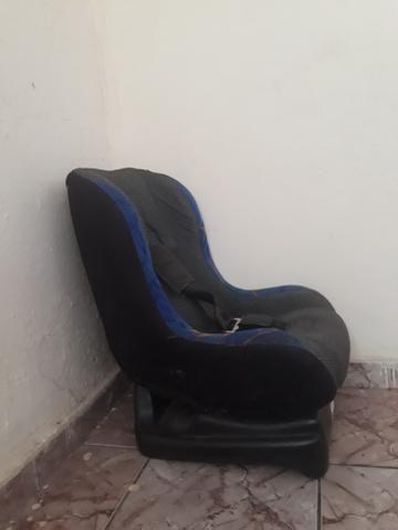 Vendo uma cadeira infantil para carro