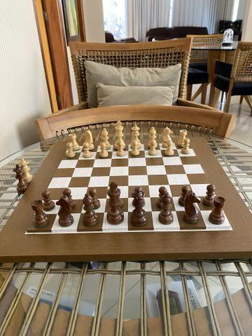 Tabuleiro e peças de Xadrez em madeira - Foto 3